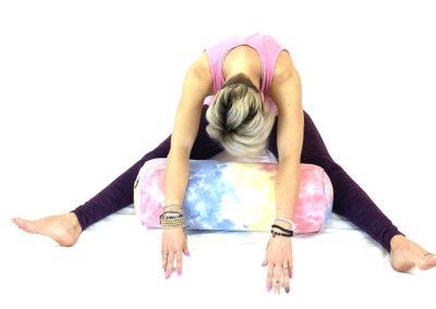 Yin Yoga Straddle (22)