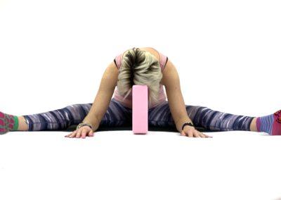 Yin Yoga Straddle (33)